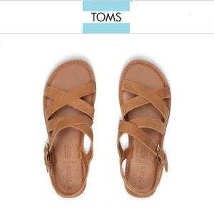 NWOT Toms tan leather Sicily sandals 9.5